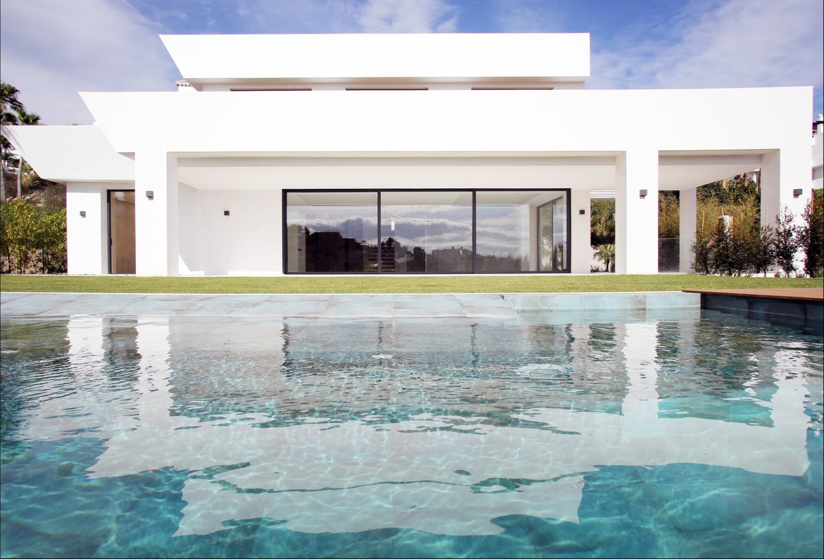 Brand new south west facing, five bedroom villa in La Alqueria, a luxury residential area only a few,Spain