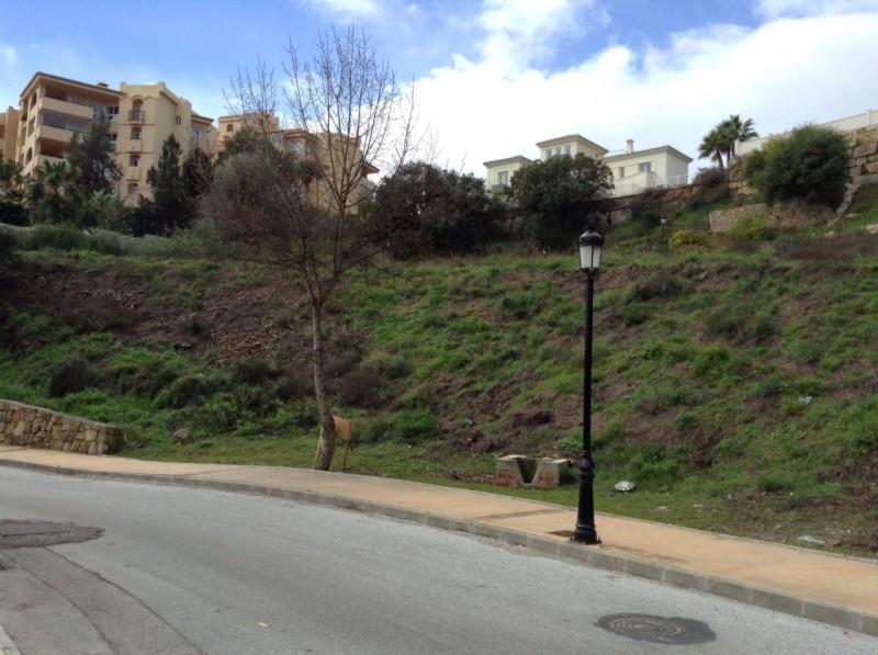 R2170727 | Land in Elviria – € 310,000