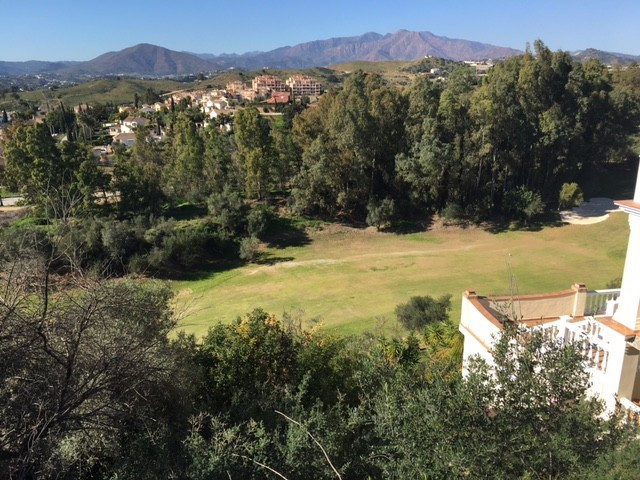 Fantastic building plot first line golf, 840m2 with 25% building allowance. Southwest facing, great , Spain