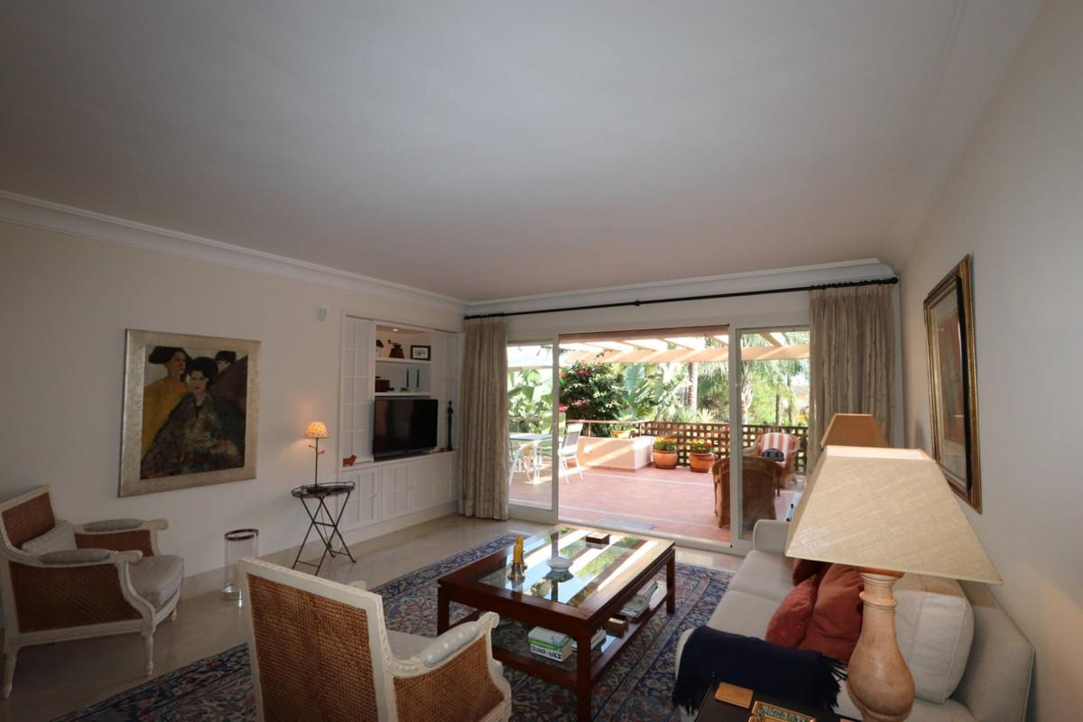 Apartamento en Venta en Río Real – R3287806