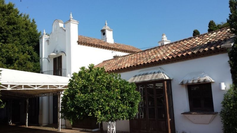 Very nice building in Andalusian style built as a Restaurant. It has a very large covered terrace, a,Spain