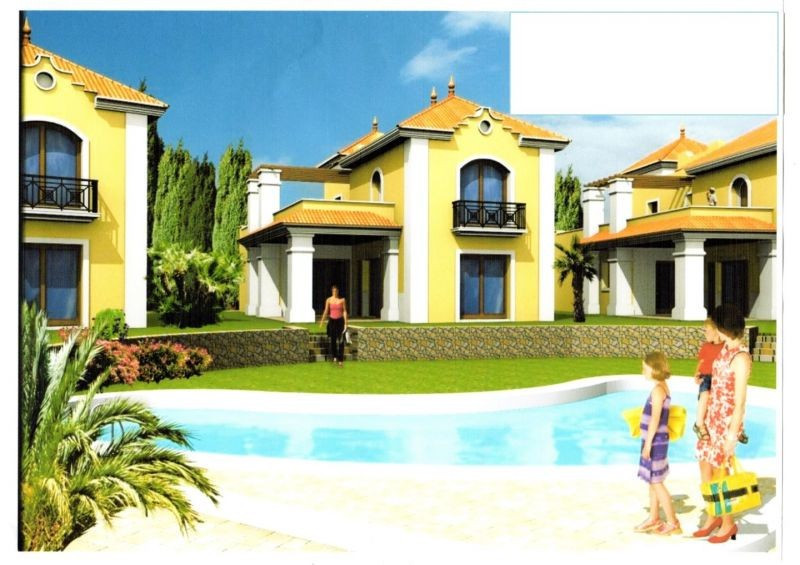 Big well placed plot with retaining wall build by the owner in beautiful stone. Ample place for 4 bi,Spain