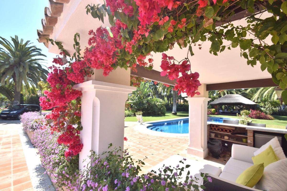 Villa Individuelle à Estepona R3201220