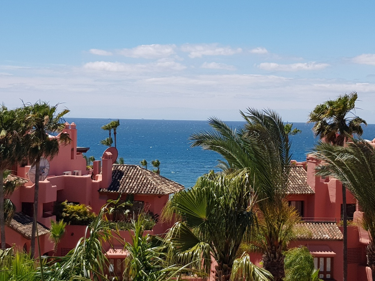 ** STUNNING PANORAMIC SEA VIEWS FROM EVERY ROOM 150M FROM THE BEACH **  Beautiful 2 bedroom apartmen, Spain