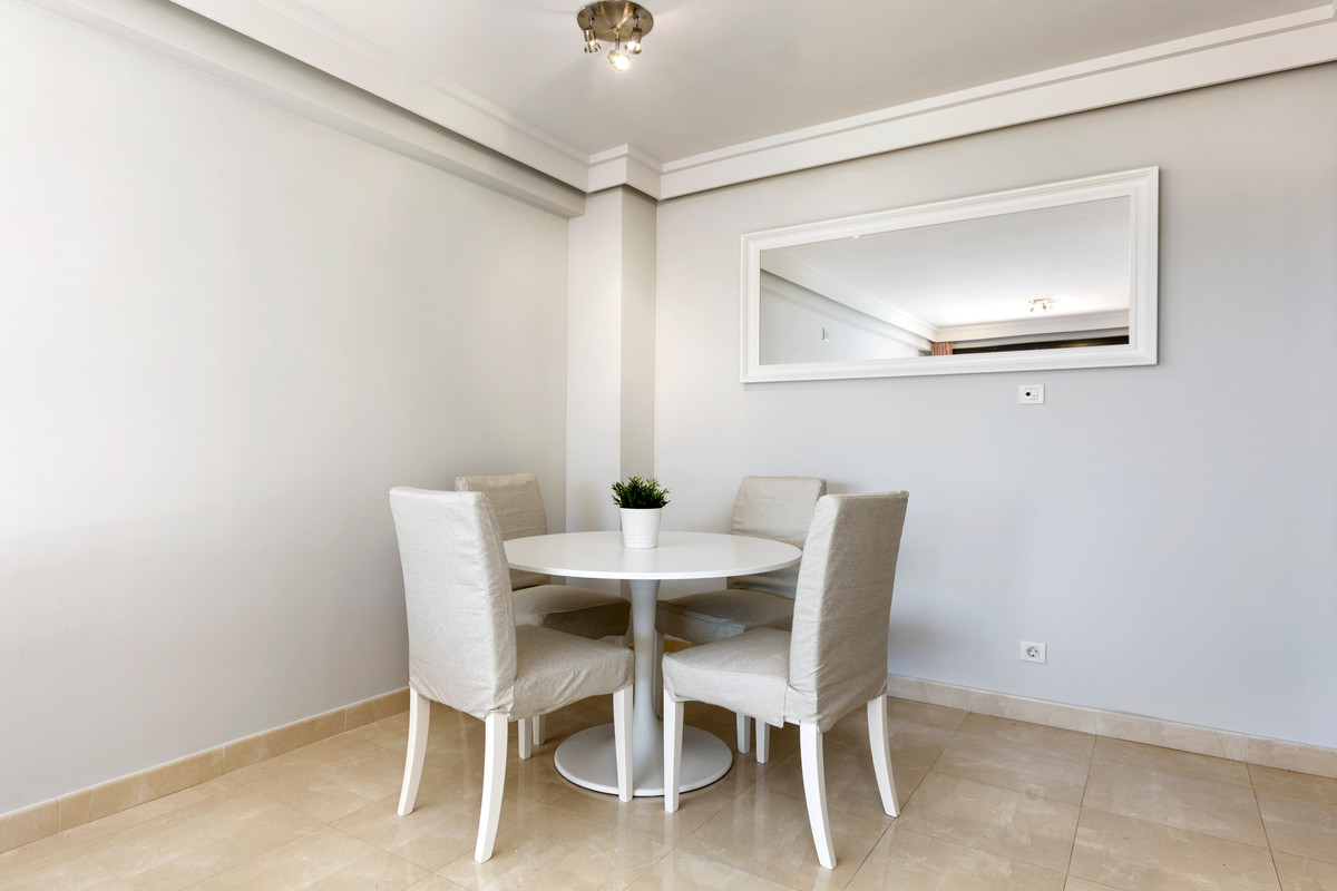 R3198463: Apartment for sale in New Golden Mile