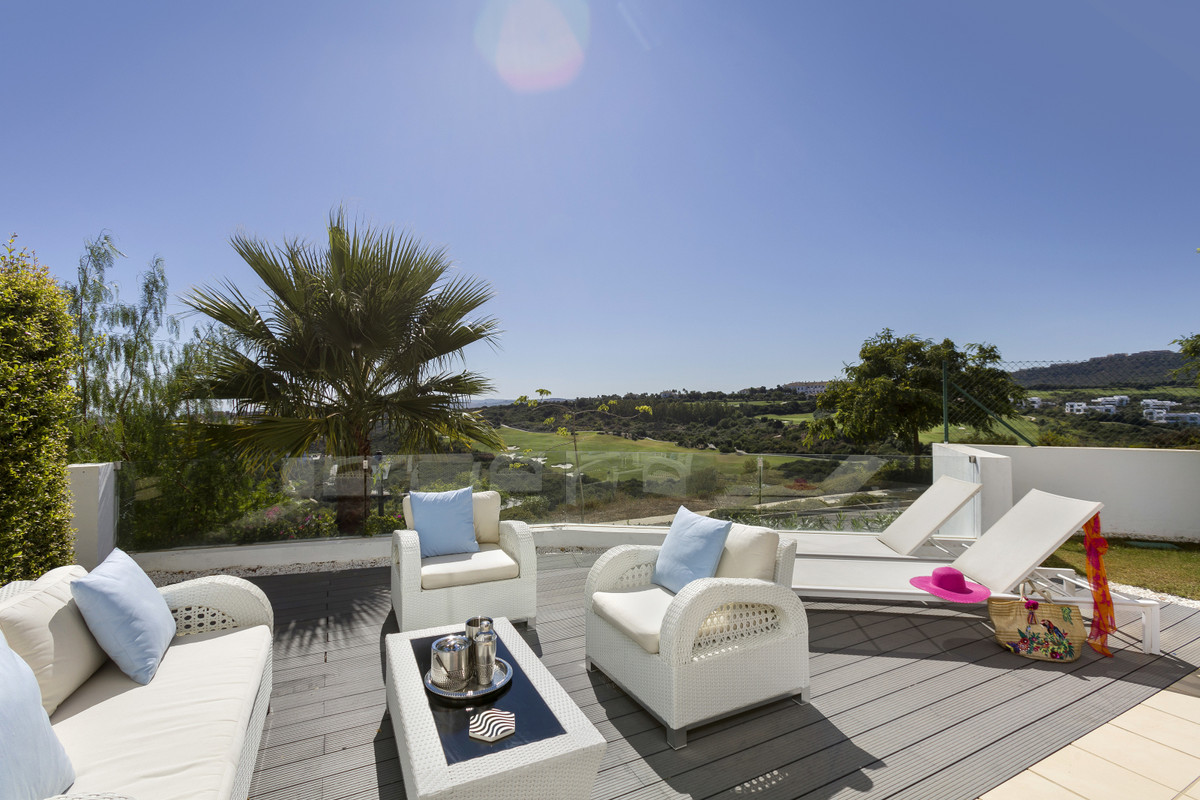 Stunning modern apartment located in the grounds of the world famous Finca Cortesin, recently crowne,Spain
