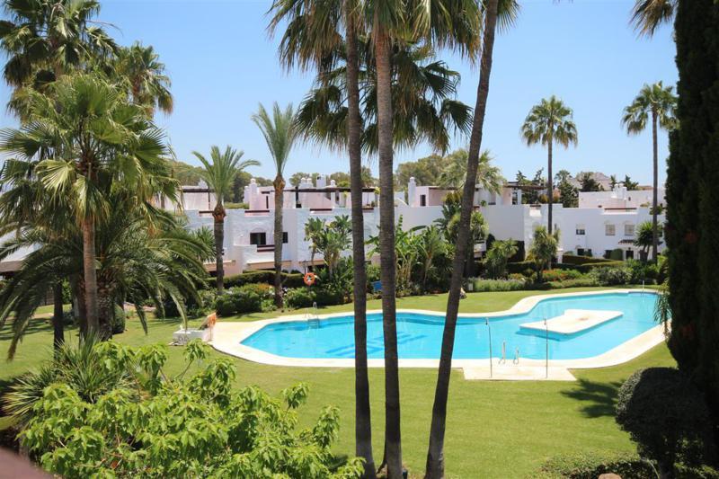 Marbella Banus Adosada en Venta en San Pedro de Alcántara – R3600920