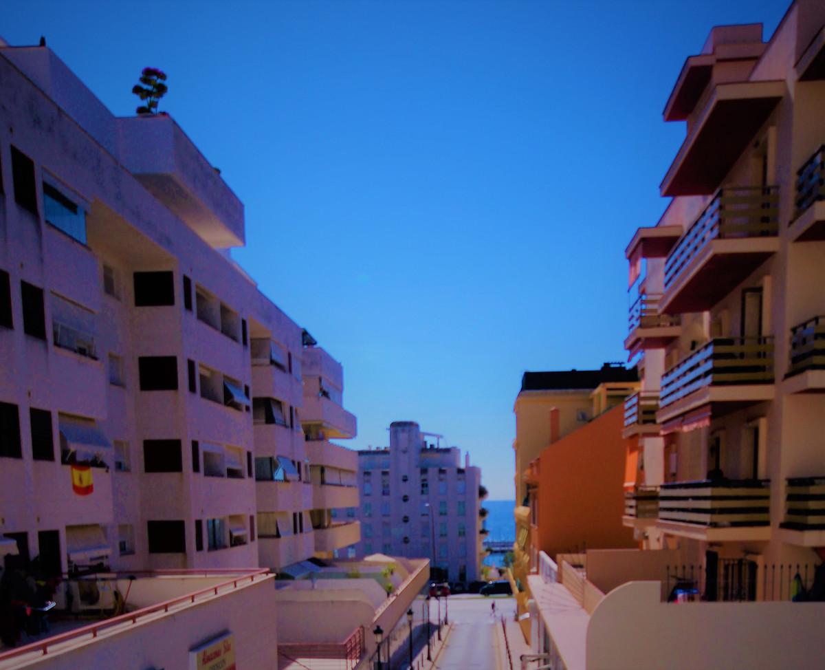 Marbella Banus Apartamento en Venta en Marbella – R3734110