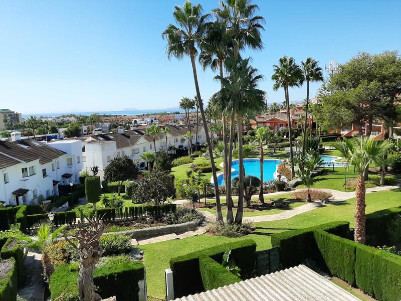 Marbella Banus Adosada en venta en Atalaya – R3615947