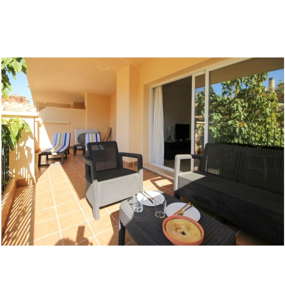 Marbella Banus Apartamento en Venta en Calahonda – R3764521