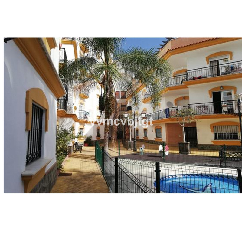 Middle Floor Apartment in Guaro for sale