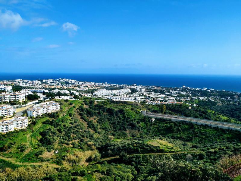 Marbella Banus Apartamento en Planta Última en venta, Calahonda – R3552124