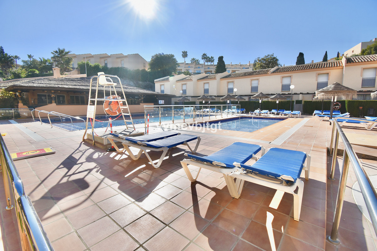 We have to offer more than 10 units for sale, with or without reform.  Completely renovated, it is d,Spain