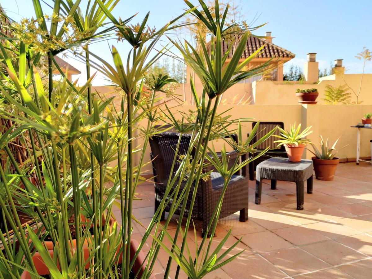 Marbella Banus Apartamento en Venta en Calahonda – R3875608