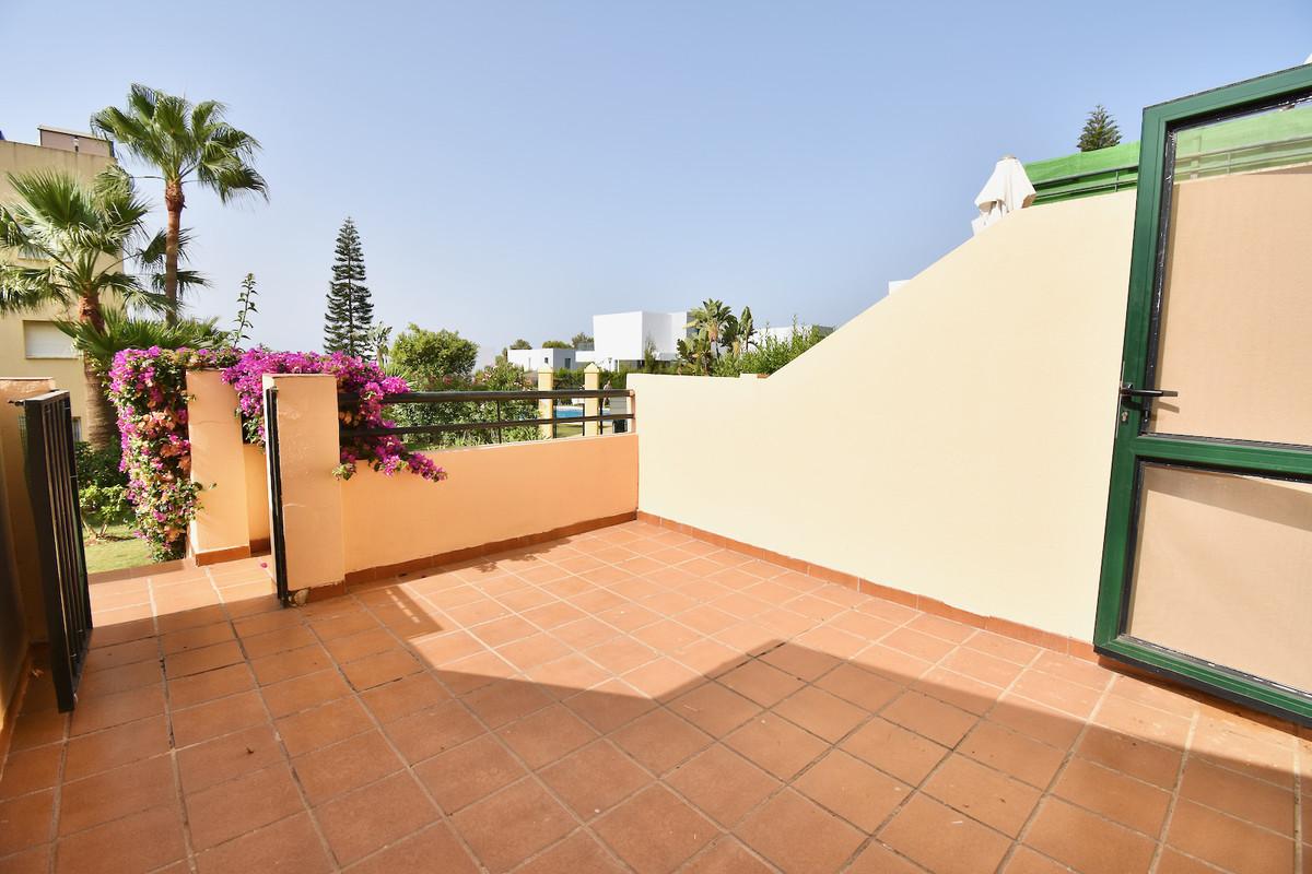 Marbella Banus Apartamento en Venta en Calahonda – R3909271