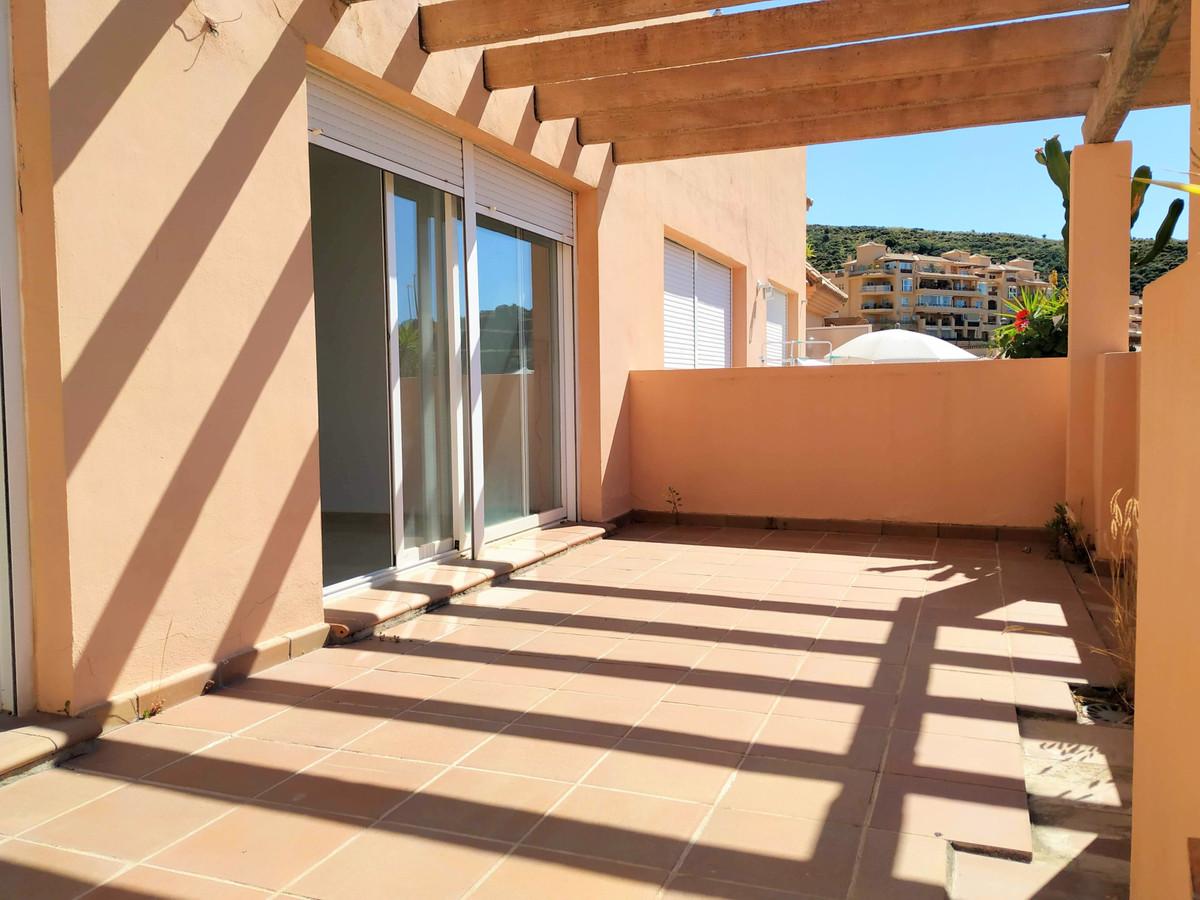 Apartamento en Venta en Calahonda – R3856039