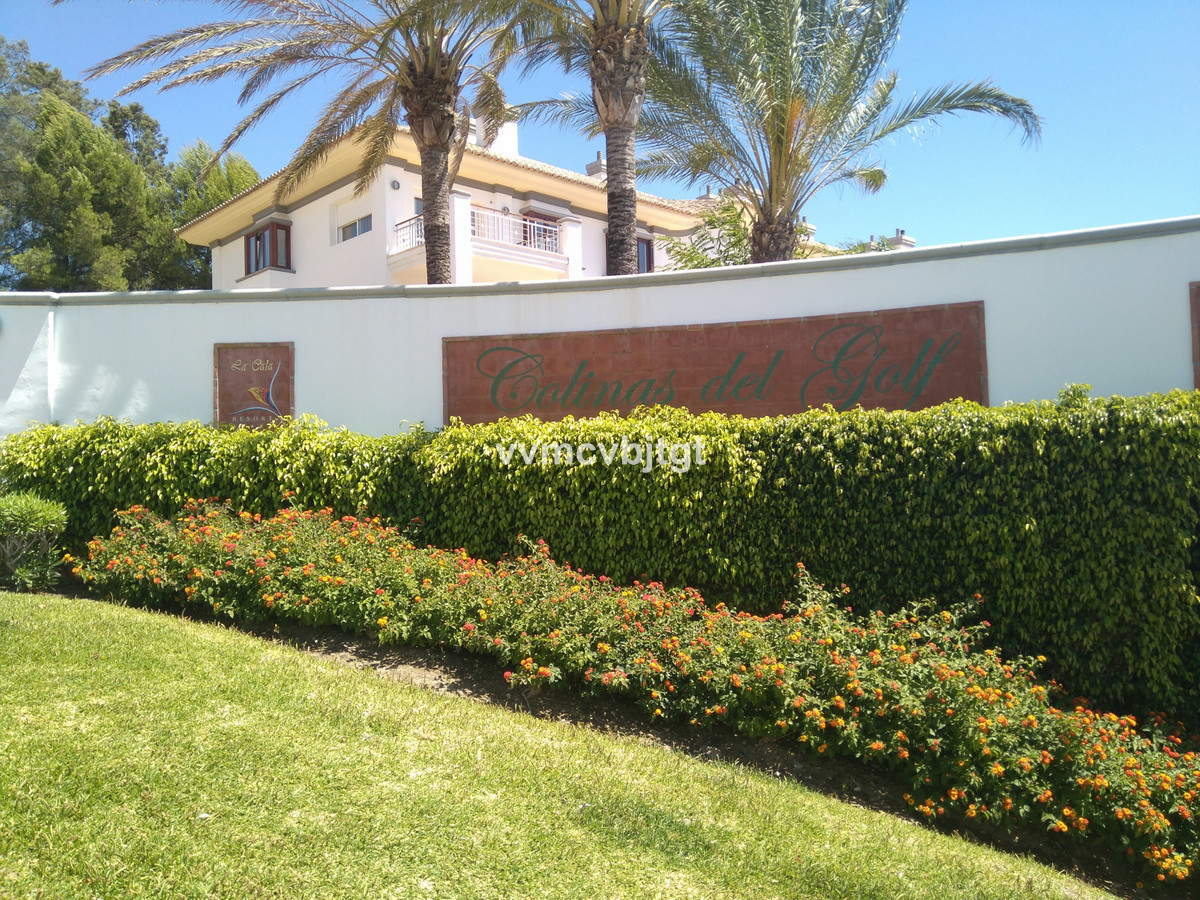 4 bedroom townhouse for sale la cala golf