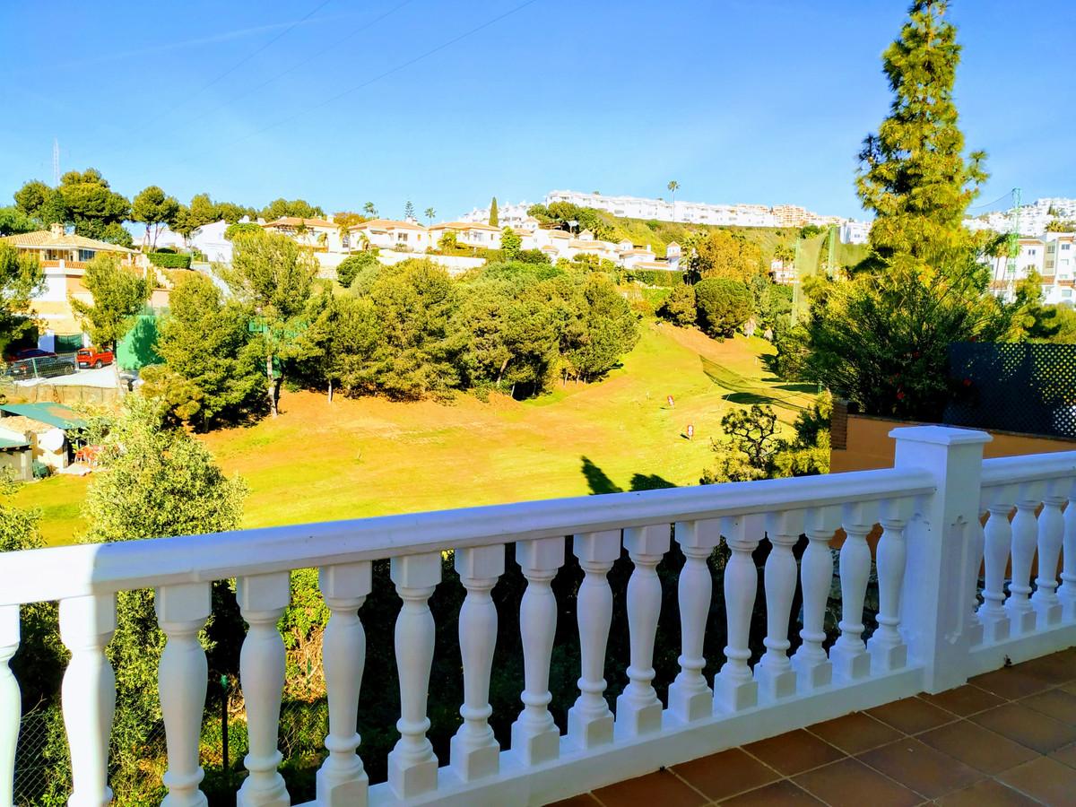 Detached Villa, Calahonda, Costa del Sol. 5 Bedrooms, 4 Bathrooms, Built 333 m², Terrace 20 m².  Set,Spain