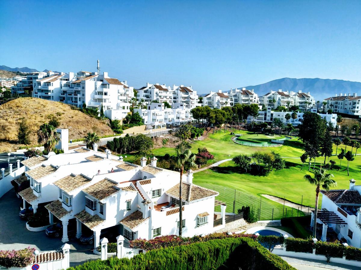 Middle Floor Apartment, Riviera del Sol, Costa del Sol. 2 Bedrooms, 2 Bathrooms, Built 85 m², Terrac,Spain