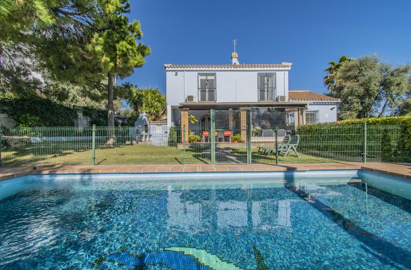 Villa – Chalet en venta en Marbella – R3623132