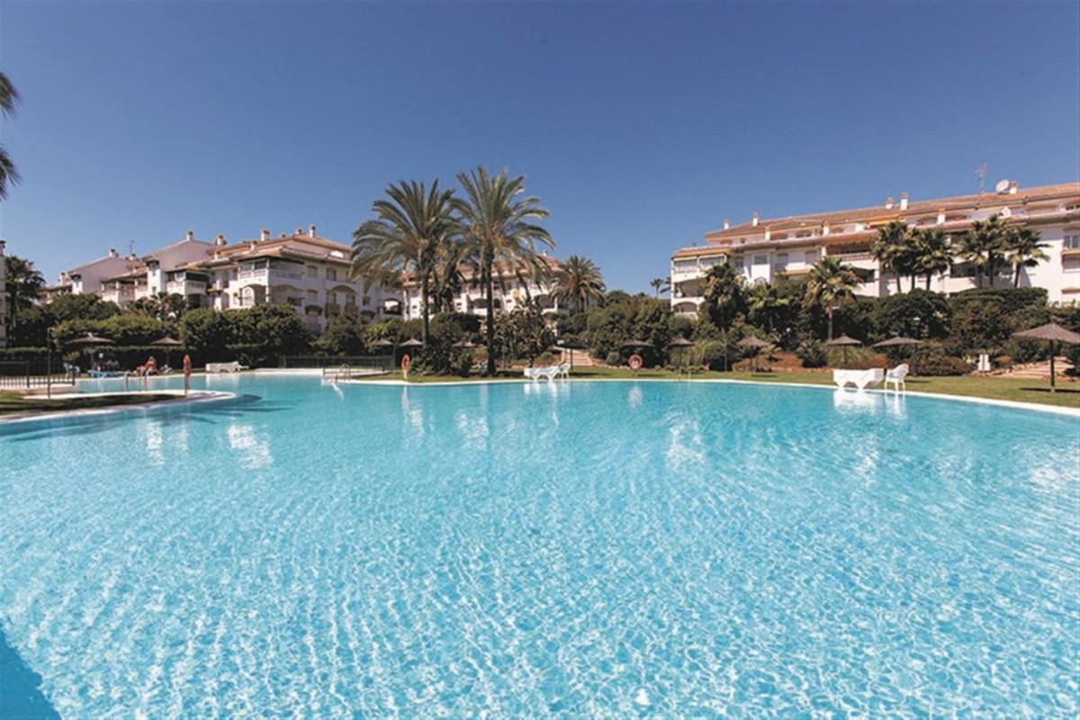 Marbella Banus Wohnung zum Verkauf in Nueva Andalusien - R3641558