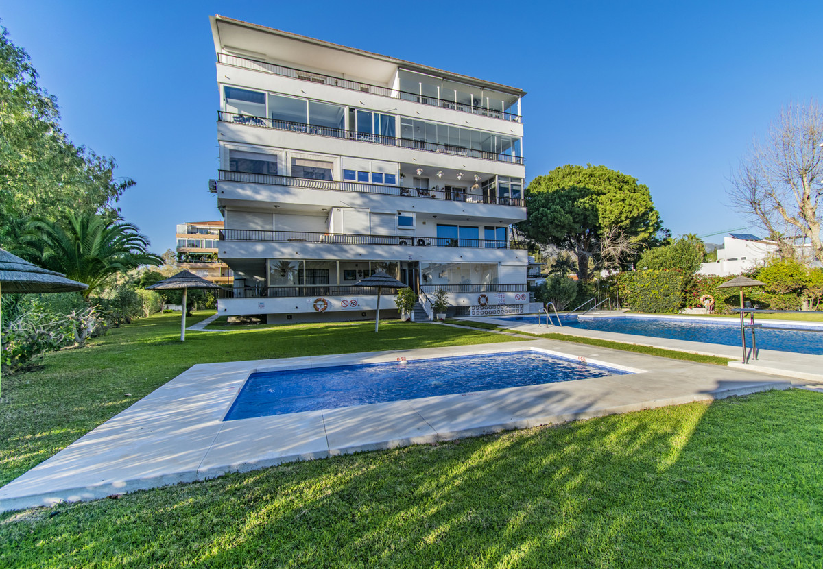 OPPORTUNITY NEXT TO THE BEACH AND PUERTO BANUS Fantastic property located a few steps from the beach,Spain
