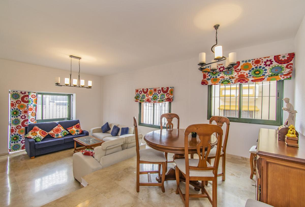 Marbella Banus Apartamento en Venta en San Pedro de Alcántara – R3911668