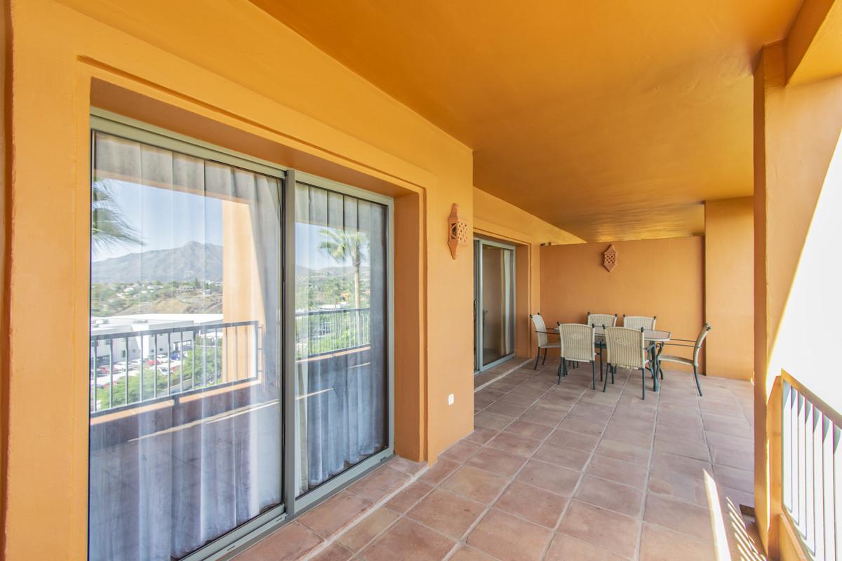 Apartamento Planta Media en Venta en Atalaya – R3727064