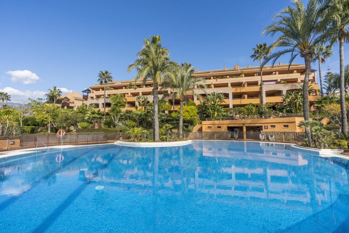 Apartamento Planta Baja en Venta en Bahía de Marbella – R3687656