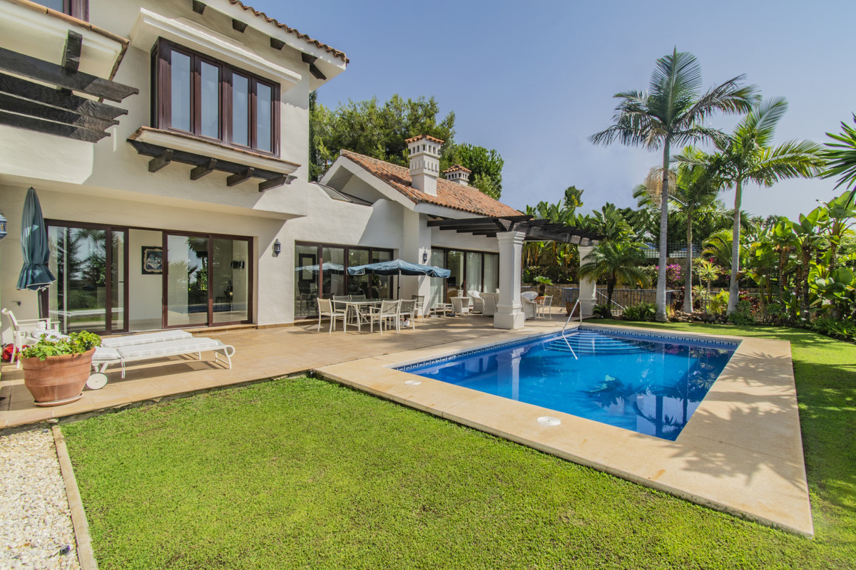 5 bedroom villa for sale sierra blanca