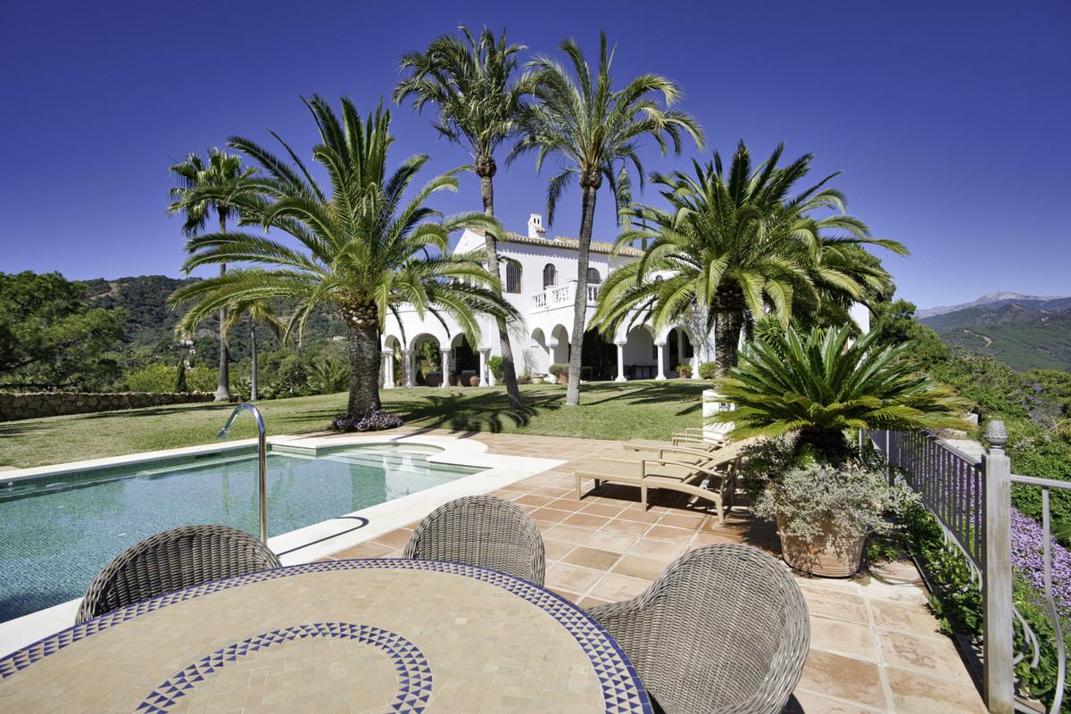 Detached Villa in El Madroñal