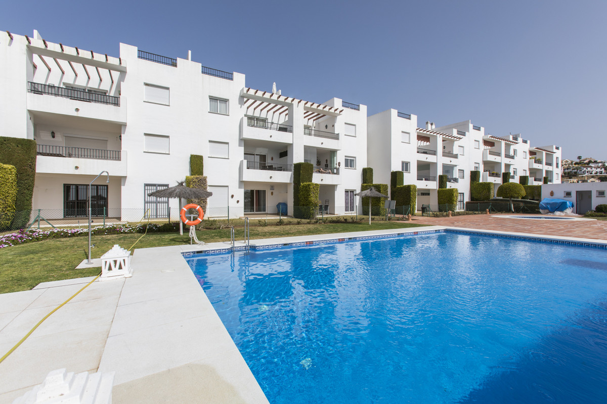 Opportunity in Los Arqueros (Benahavis) with sea views! Reduced from € 249,000 to only € 209,000 Hou,Spain