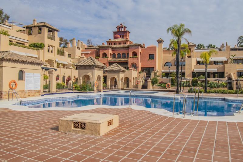 Apartamento Planta Baja en venta en Atalaya – R3613853