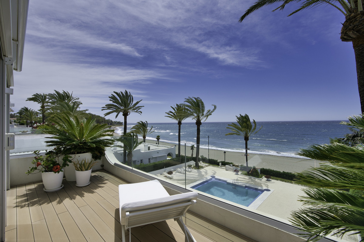 FIRST LINE  BEACH - MARBELLA GOLDEN MILE - FRONTAL SEA VIEWS Impressive property located on the beac, Spain