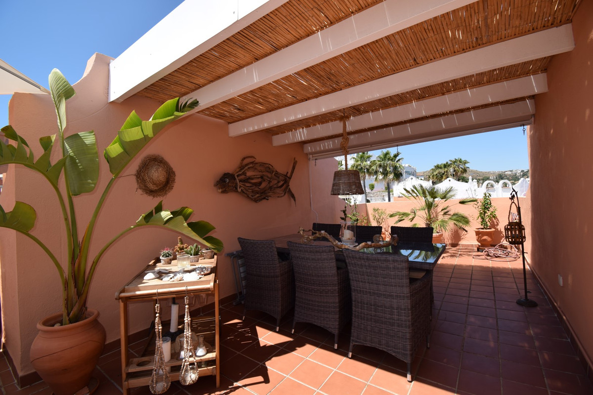 PENTHOUSE IN LA RESERVA DE MARBELLA Excellent penthouse located in Marbella East, just  few minutes , Spain