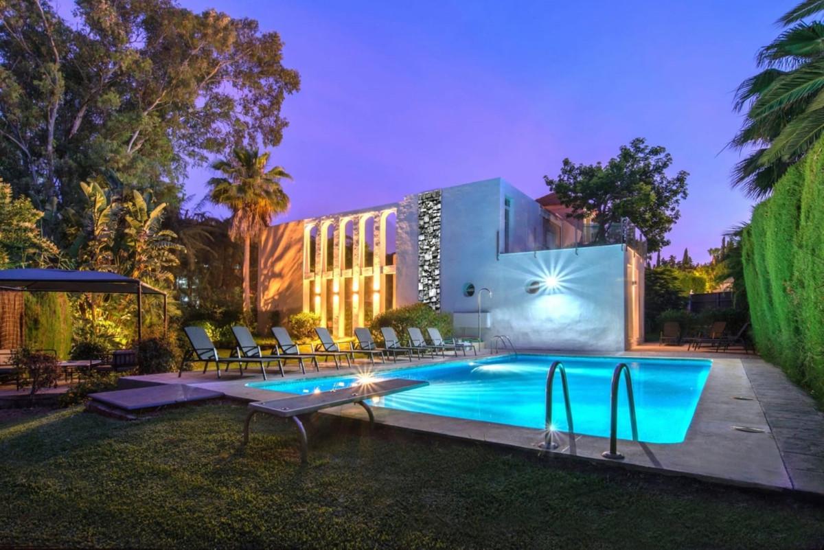 Marbella Banus Villa – Chalet en Venta en Nueva Andalucía – R3638417