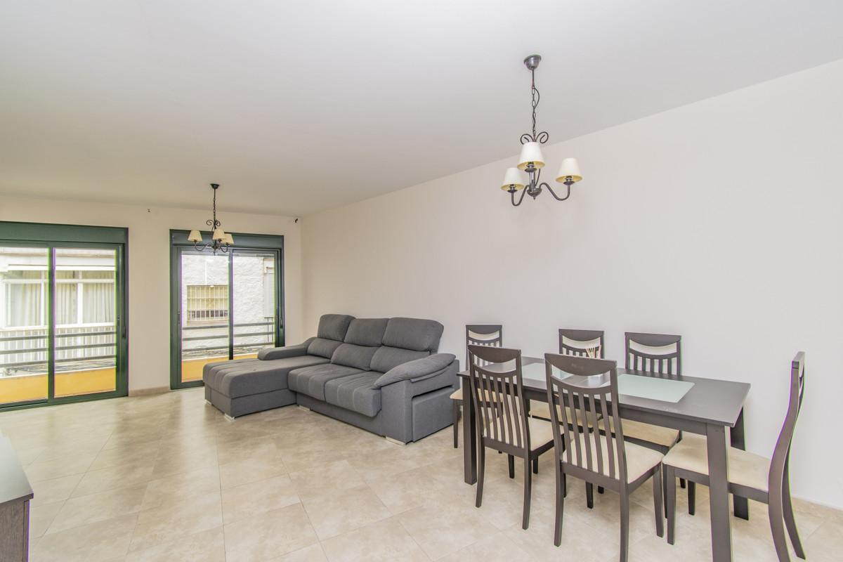Marbella Banus Apartamento en Venta en San Pedro de Alcántara – R3910378