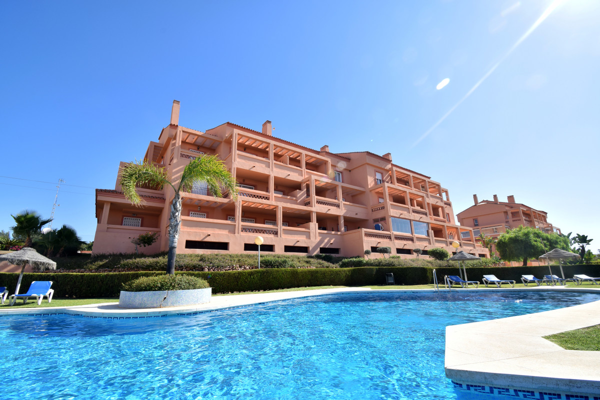 Excellent property in very good condition located in the area of El Faro, a few minutes from the bea,Spain