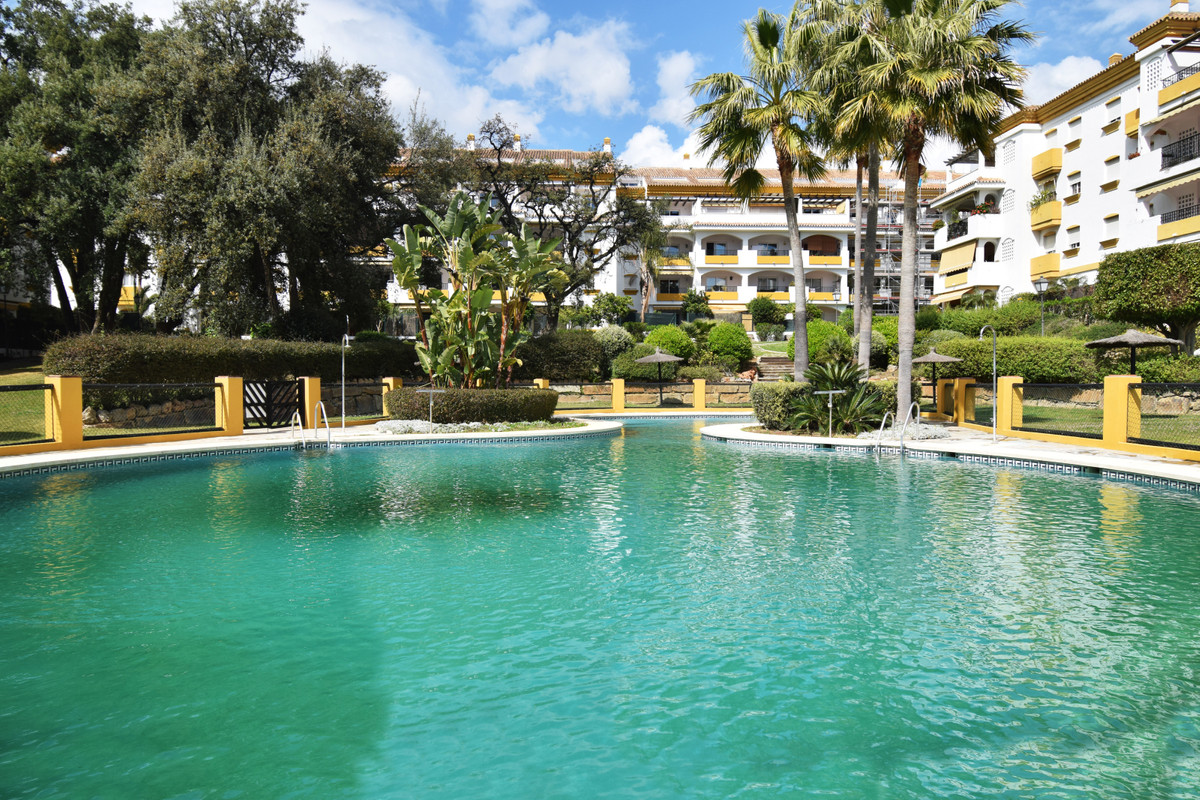 OPPORTUNITY IN NAGUELES (MARBELLA) REDUCED FROM 269,000 € TO ONLY 239,000 € Apartment located in one,Spain
