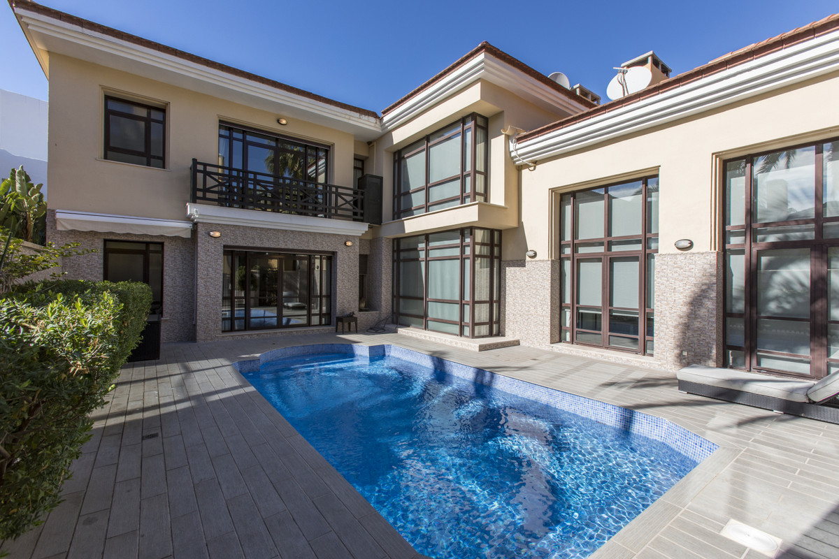 House for sale in Puerto Banús