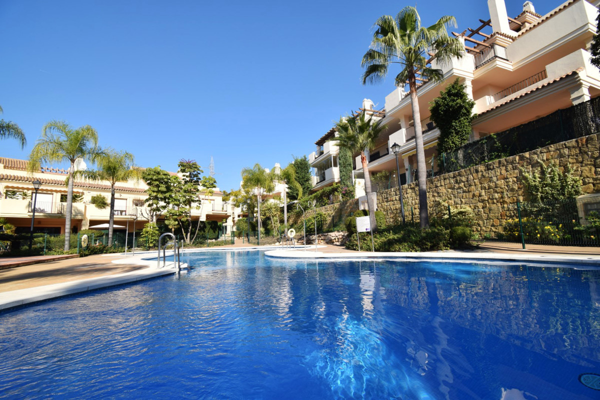 Large townhouse located in one of the best areas of Nueva Andalucia, a few minutes from Puerto Banus,Spain