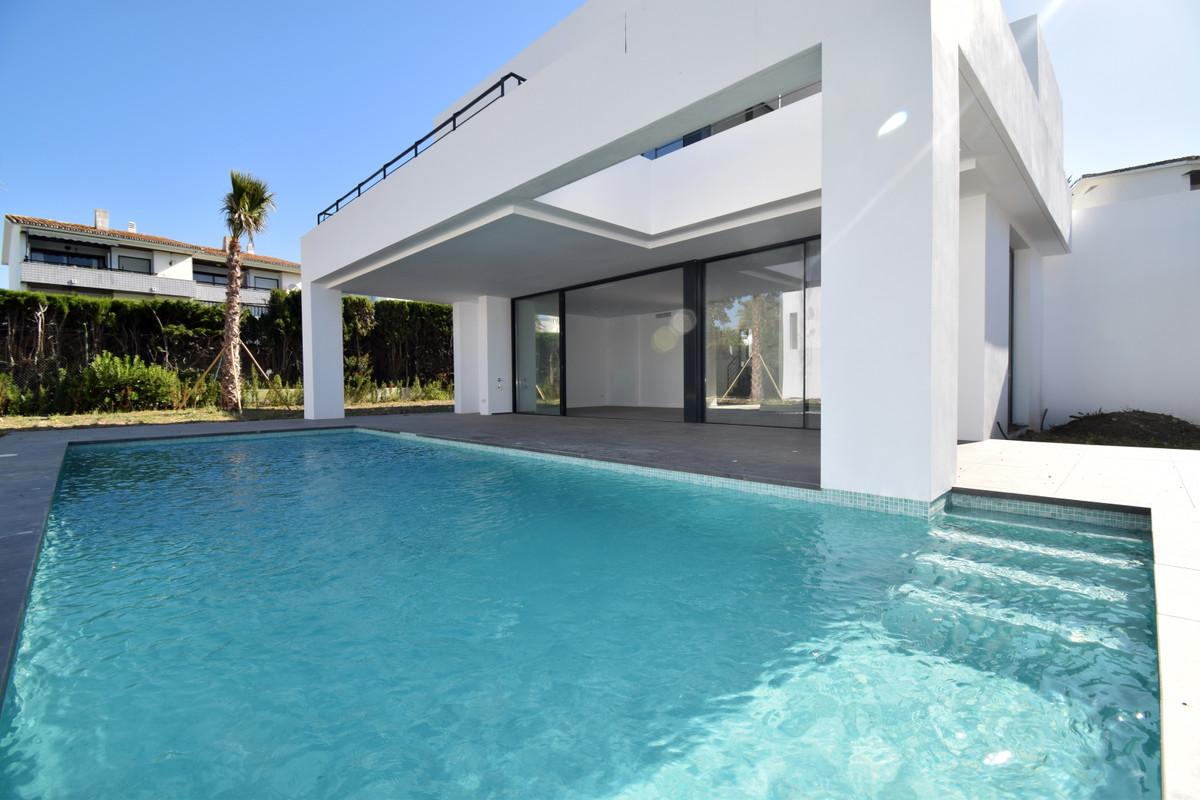Marbella Banus Villa – Chalet en Venta en Atalaya – R3336208