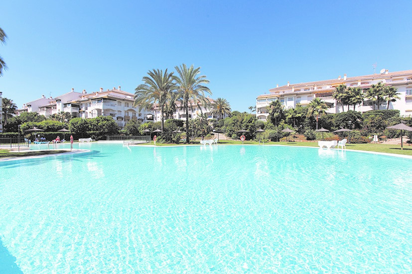 Opportunity next to Puerto Banus. Nice apartment located in one of the most sought after urbanizatio, Spain