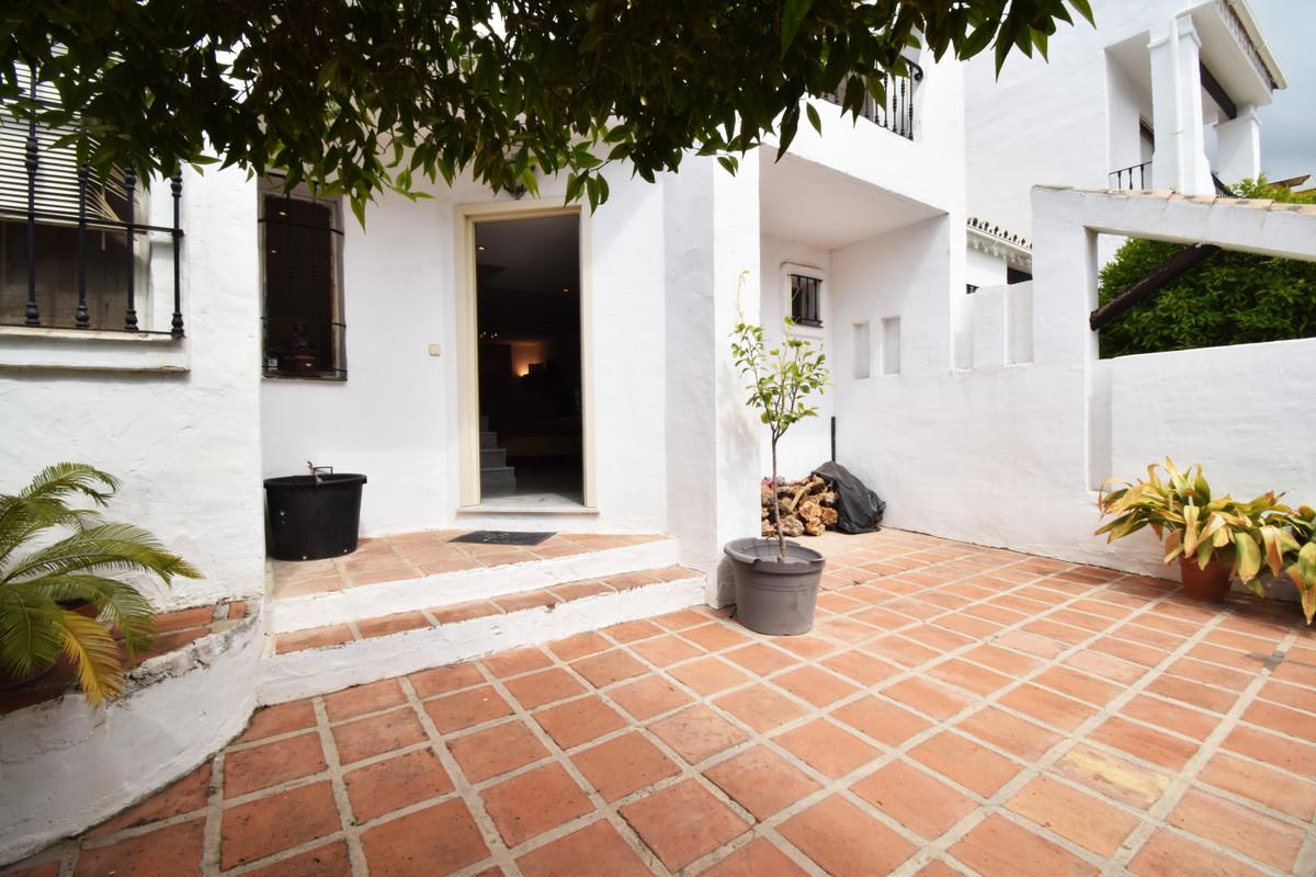 Unifamiliar con 2 Dormitorios en Venta Nueva Andalucía