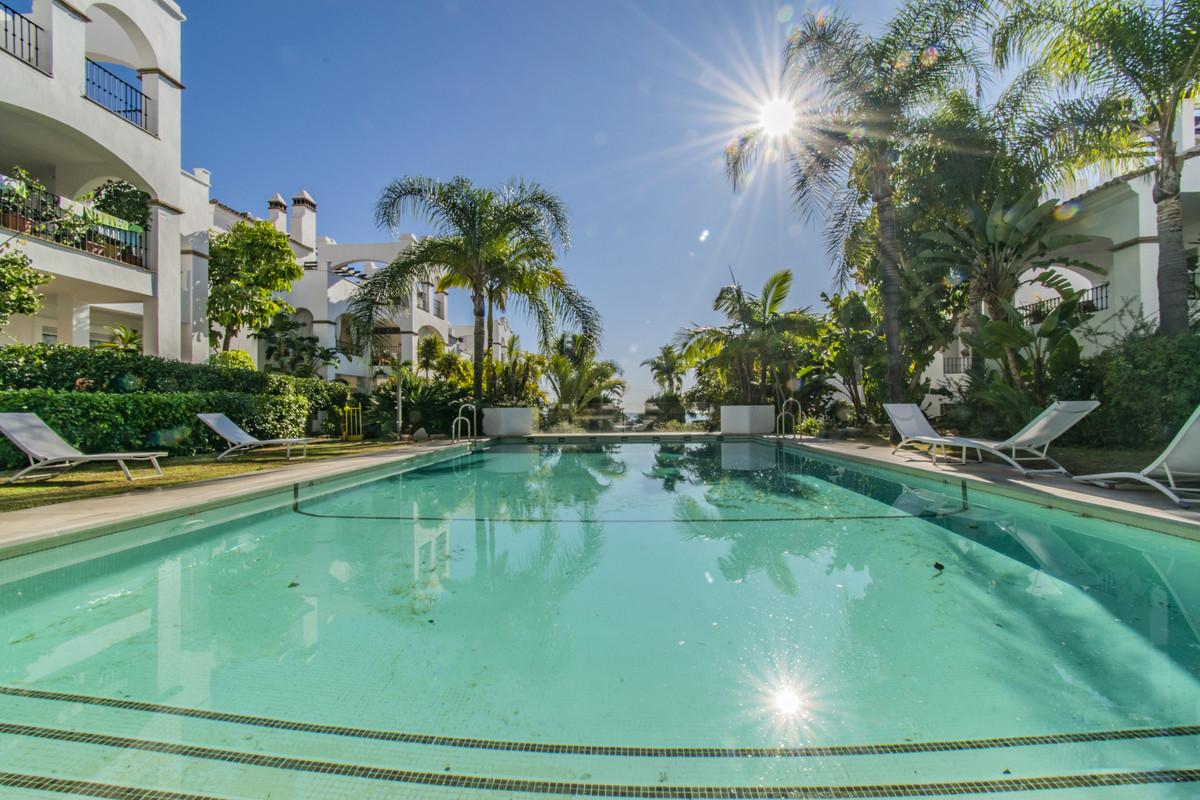 Marbella Banus Apartamento en Venta en Nagüeles – R3548047