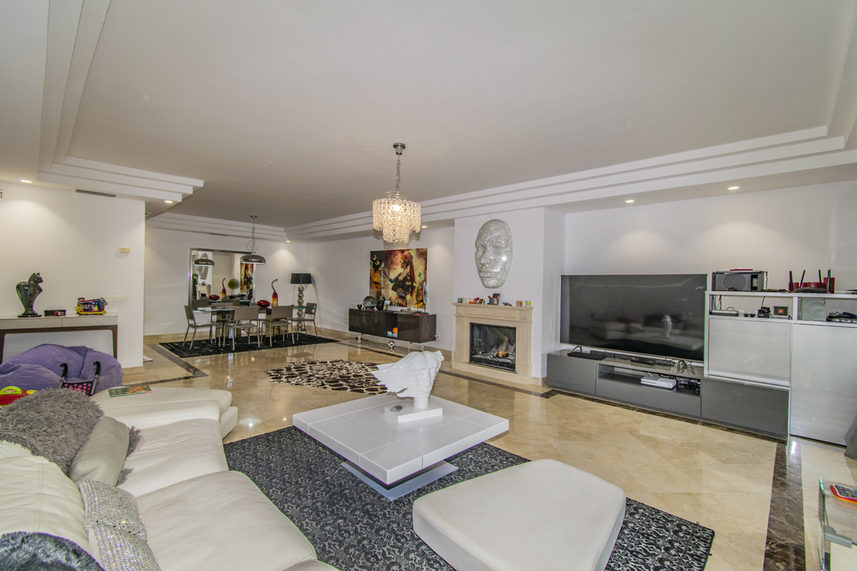 Apartamento en Venta en Nagüeles – R3548047