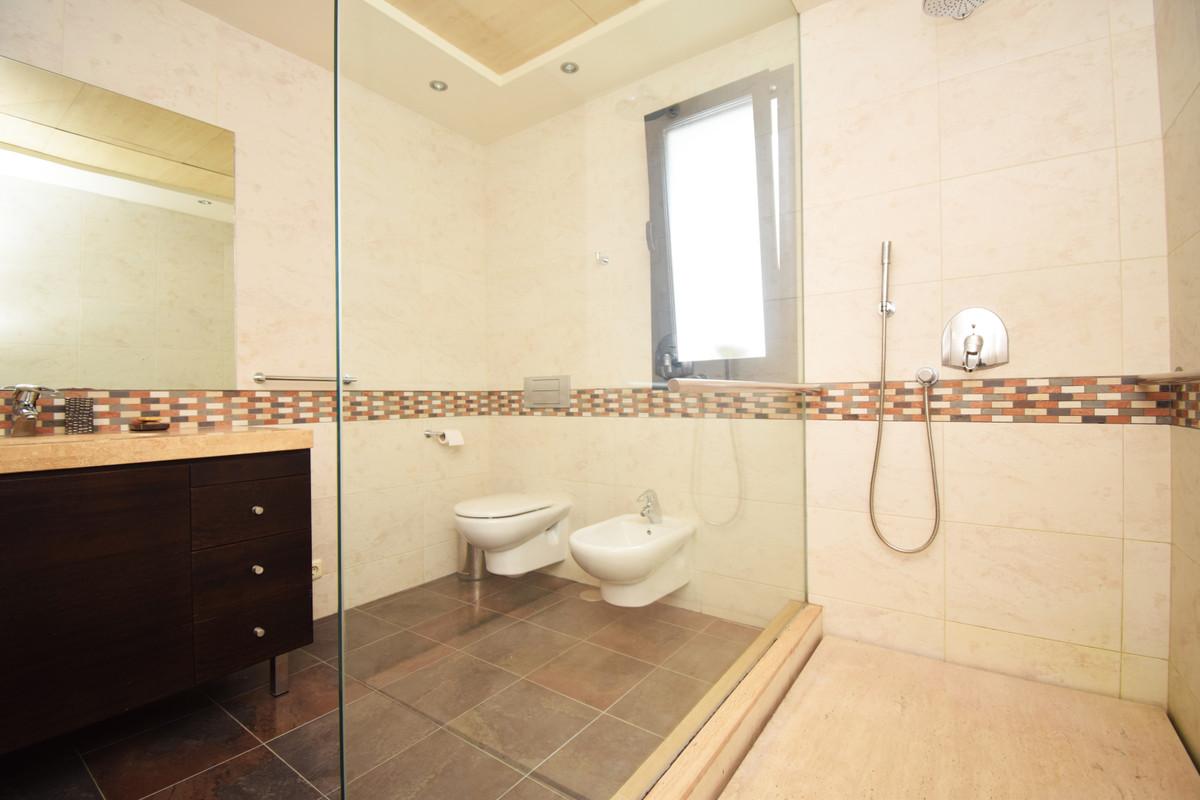 House in Altos de los Monteros R3385039 10