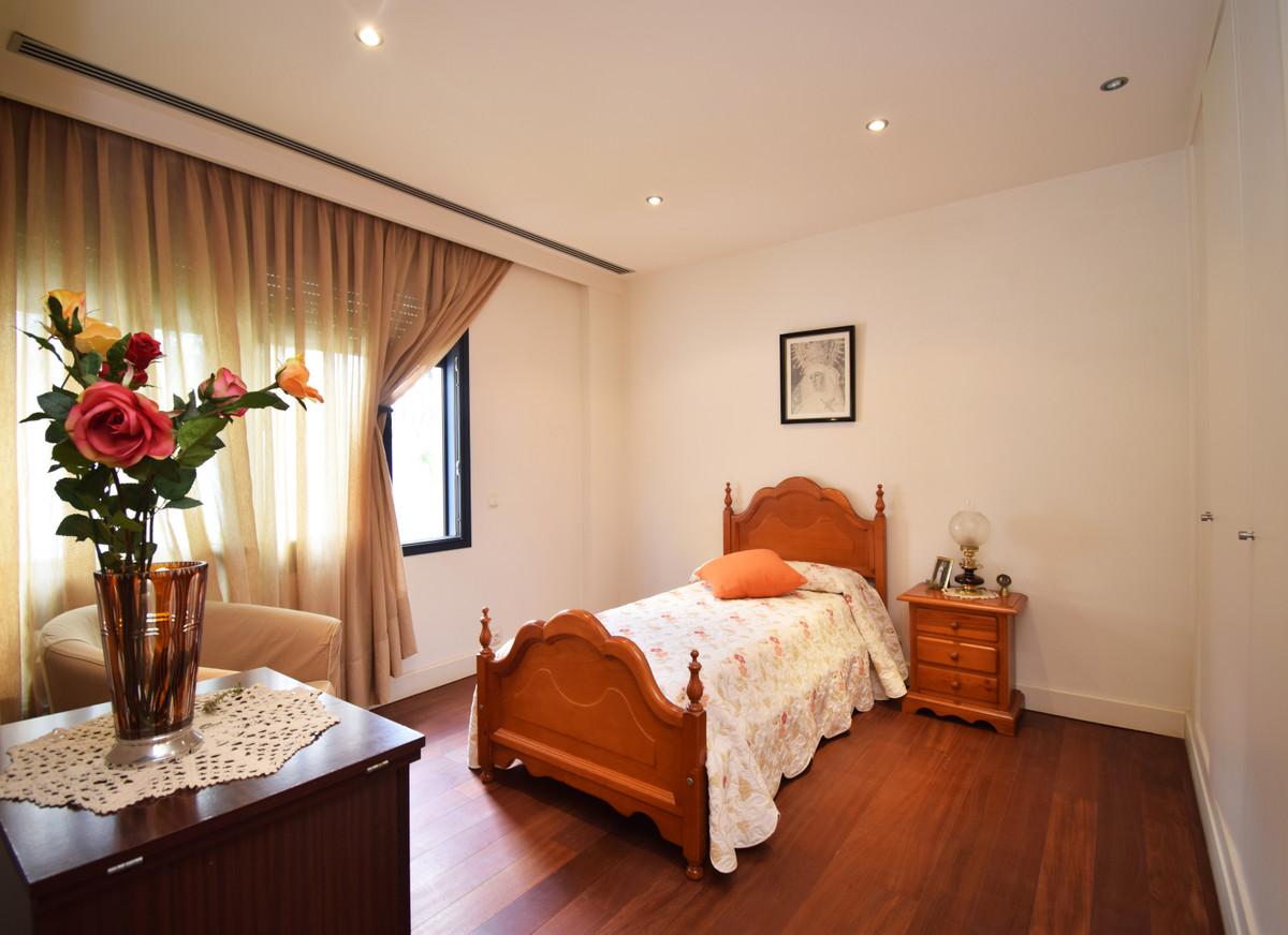 House in Altos de los Monteros R3385039 13