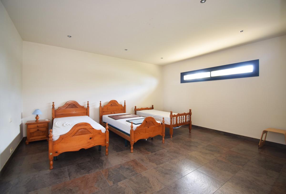 House in Altos de los Monteros R3385039 22