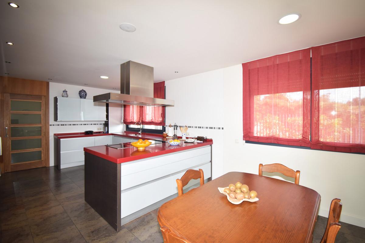 House in Altos de los Monteros R3385039 27